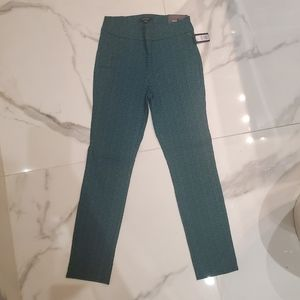 RW&Co Cropped Pants